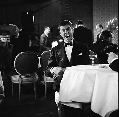 jerry-lewis-at-table